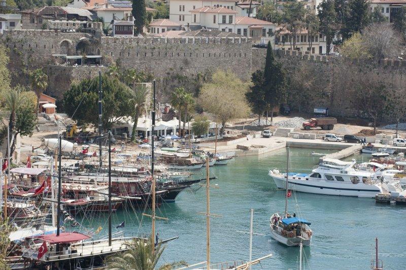 Antalya march 2012 5885.jpg