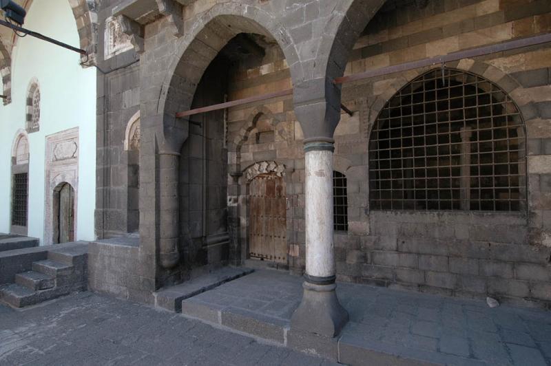 Diyarbakir Fatih pasha mosque 2726