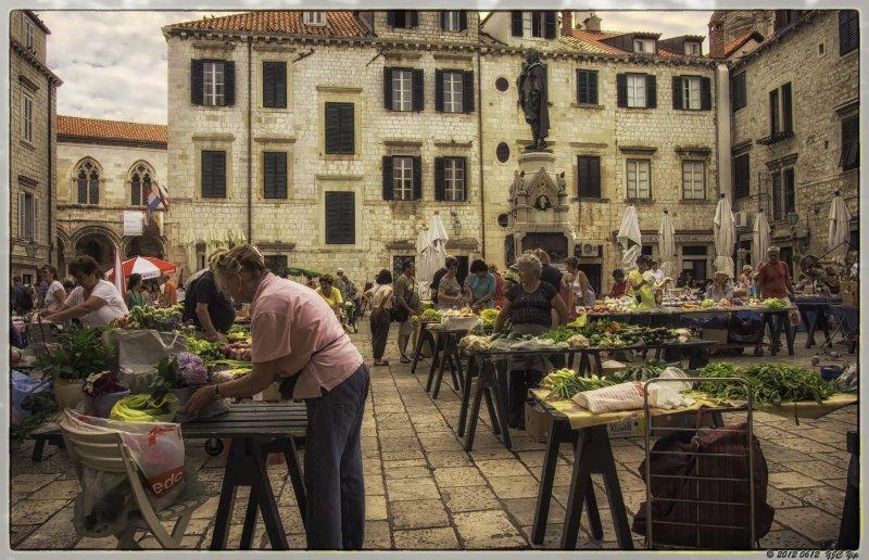 0612 021 Dubrovnik - Market.jpg