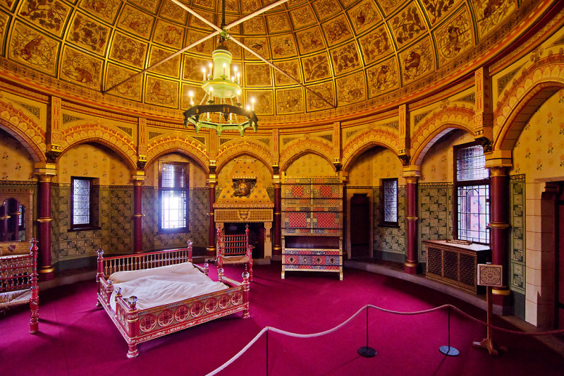 Lady Butes bedroom, Castell Coch
