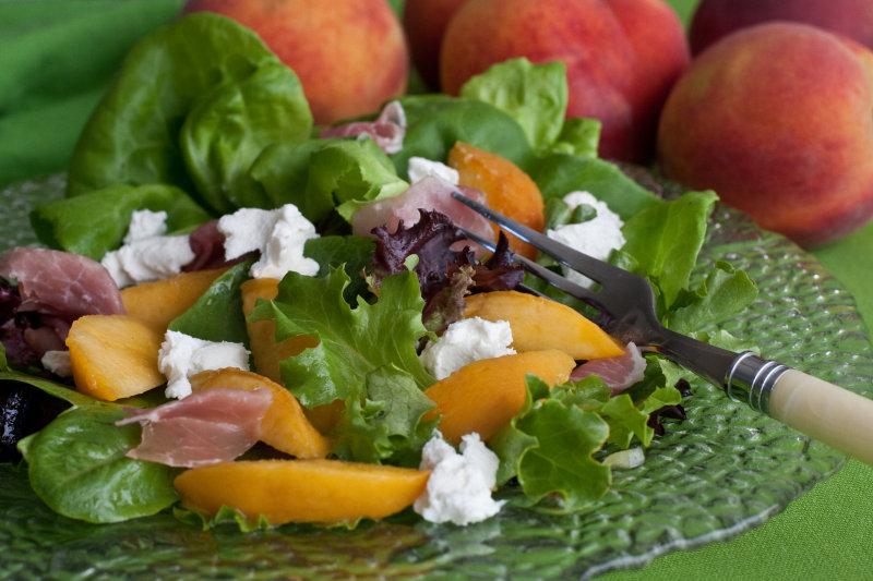 Peach, Prosciutto and Goat Cheese Salad