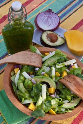 Green Salad with Jicama and Mango