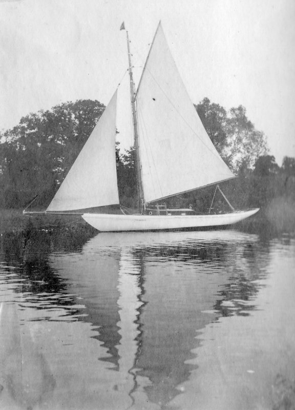 Lapwing at Itchenor, August 1912