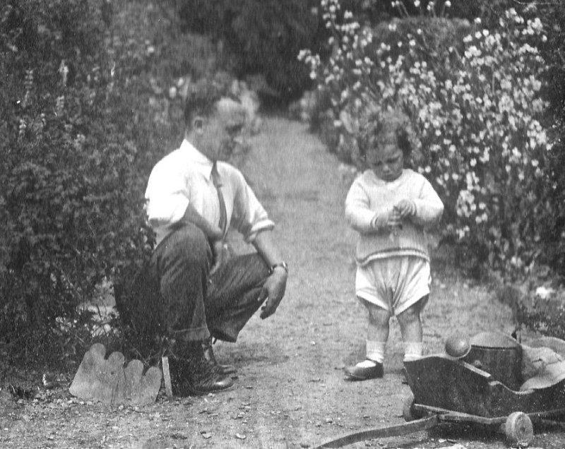 Ashley and son, Mesylls 1920