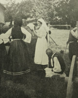 Out patients Serbia 1915, from The Luck of Thirteen.
