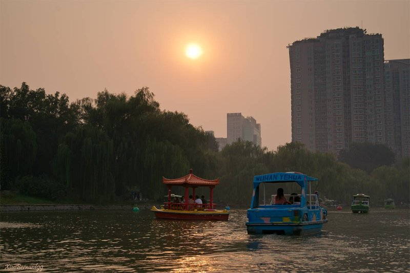 Sunday Afternoon in Zizhuyuan park