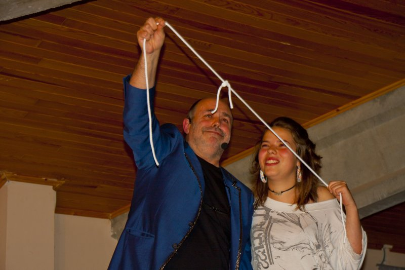 Actuació del Màg Jordi Cumelles al Sopar del Municipi 2011