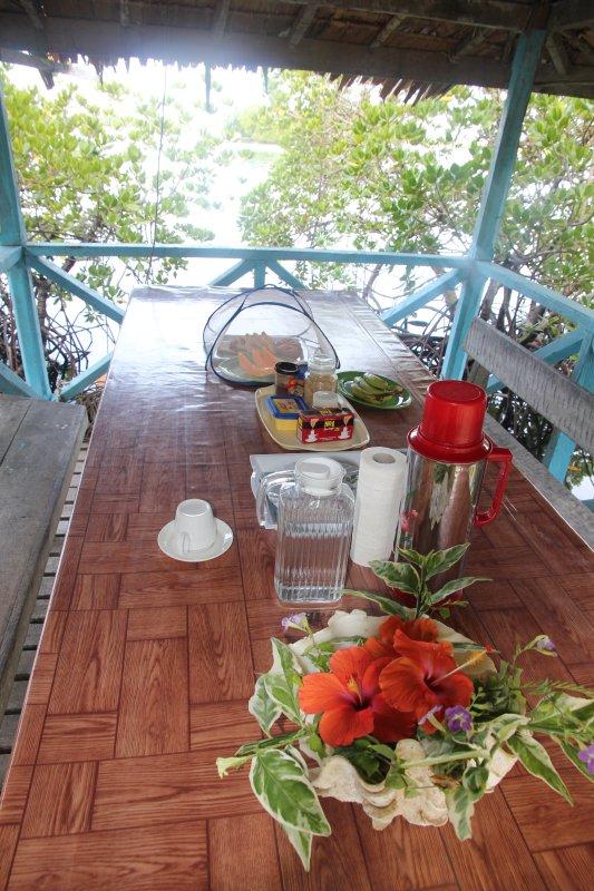 Breakfast at Serahs Lagoon Hideaway