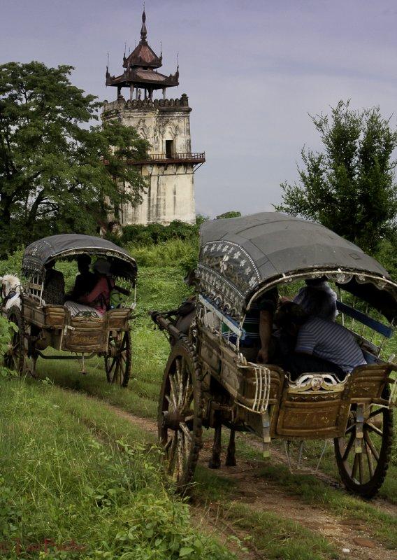 Road to Bagaya Monastery