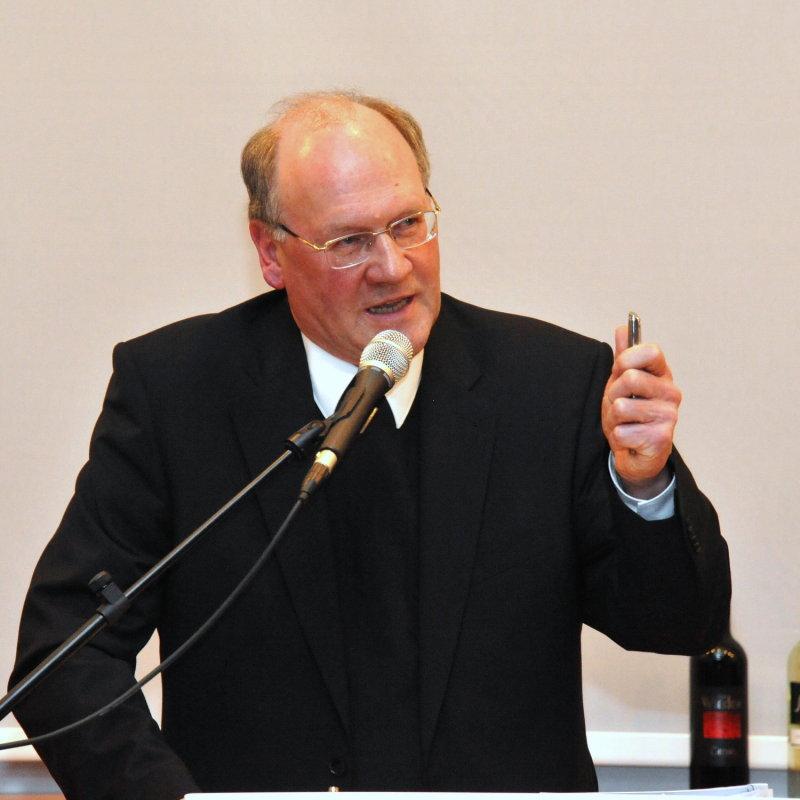 PRESSE: Bischof Dr. Alois Schwarz