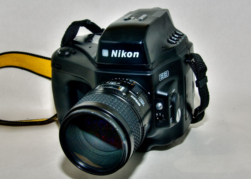 Nikon E3
