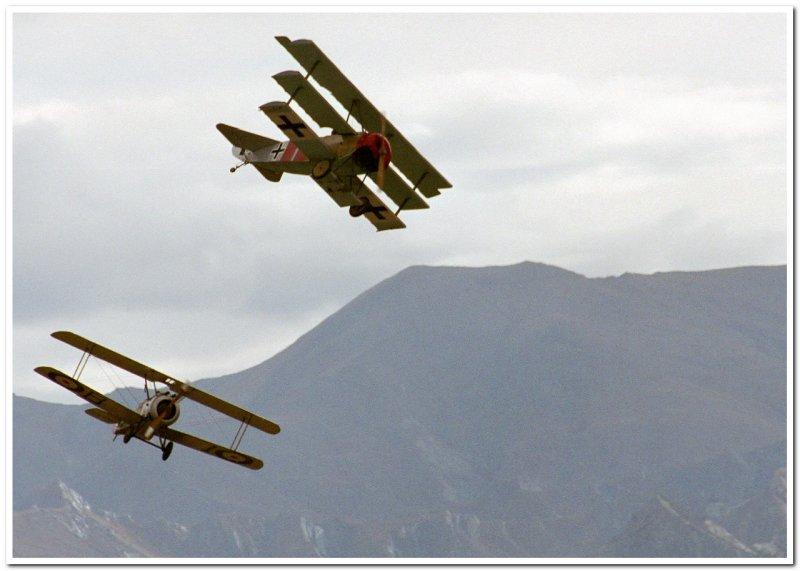 Sopwith Camel & Fokker Triplane