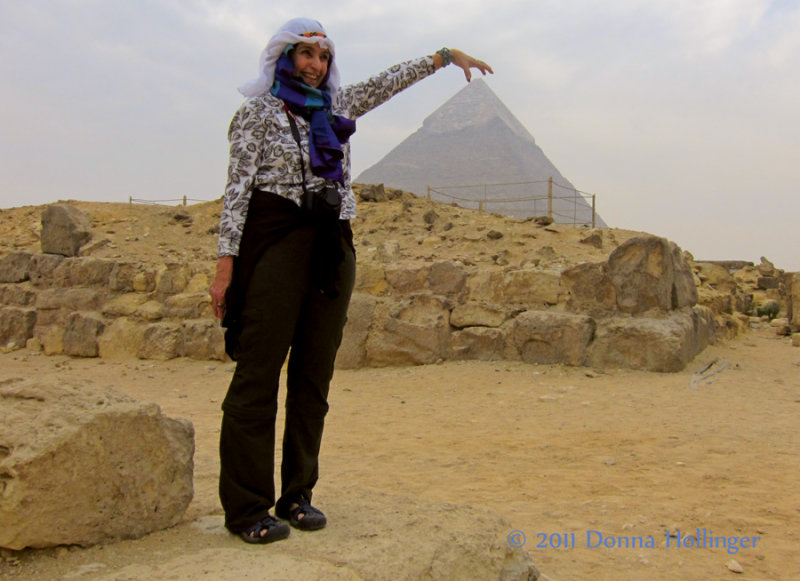 Donna, and  the Pyramid