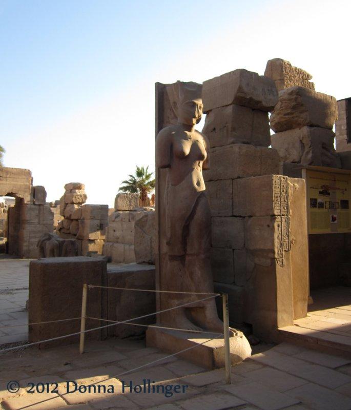 Hatchputs Statue