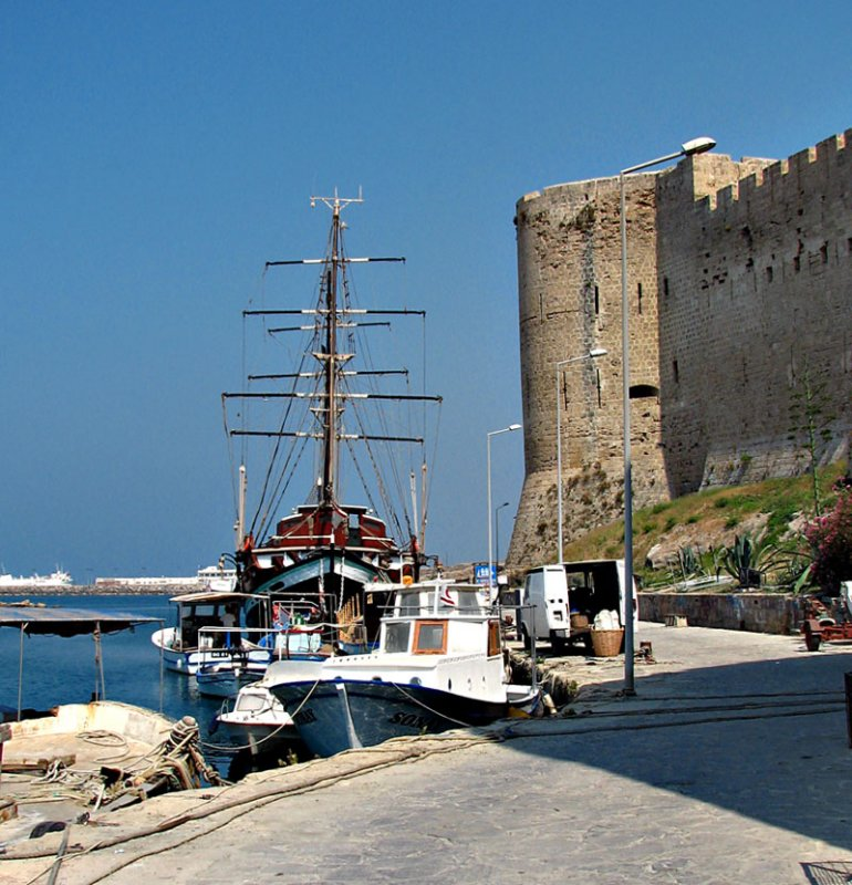 Kyrenia boat, Harbor castle