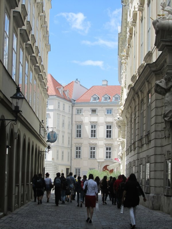 heading for Judenplatz...