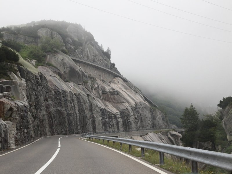 approaching the Grimsel pass, the scenery is disappearing into fog