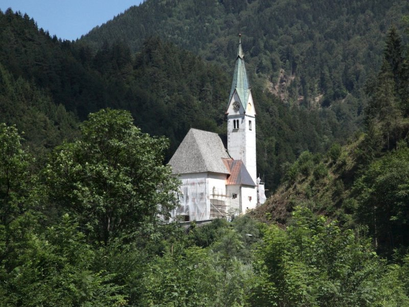 on the road again, heading east toward Maribor