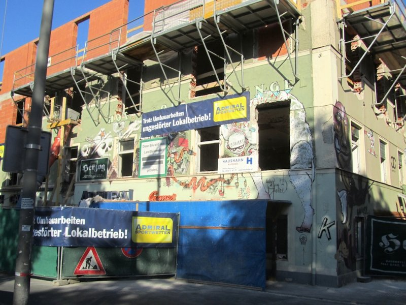 we arrive in Graz; construction near our hotel