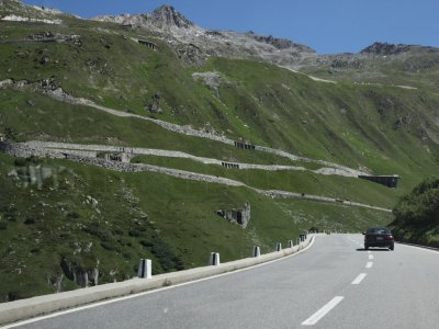 the road heads up toward the Furka pass, at 2430m elevation