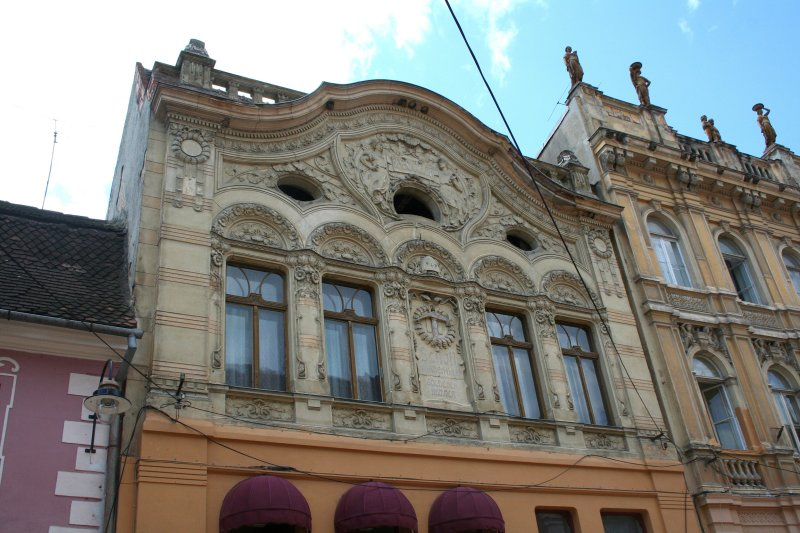 More Baroque style architecture in Brasov.