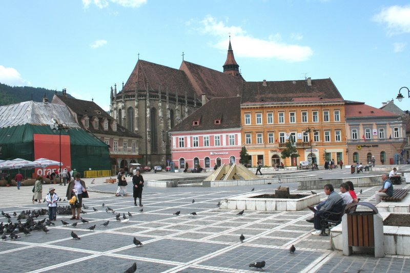 Another vantage point of Council Square (note all the pigeons by the little boy)!