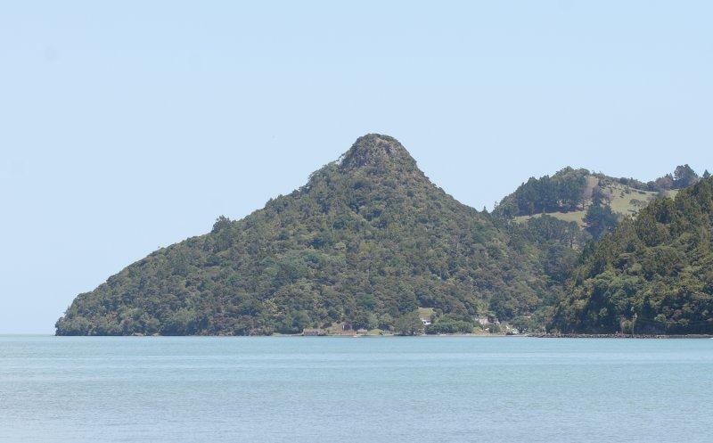 Jackys Peak, Huia. Site of ancient Maori pa. 7190r