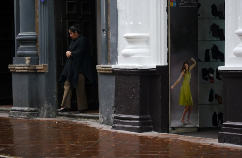 Comparison, Cuenca, Ecuador, 2011