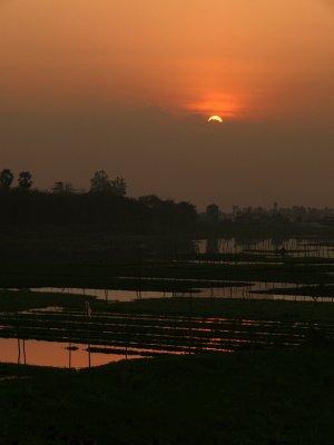 Vanishing sunset, Phnom Penh, Cambodia, 2008