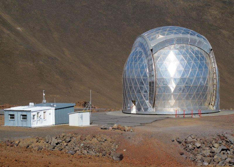 CalTech-Submillimeter-Telescope.