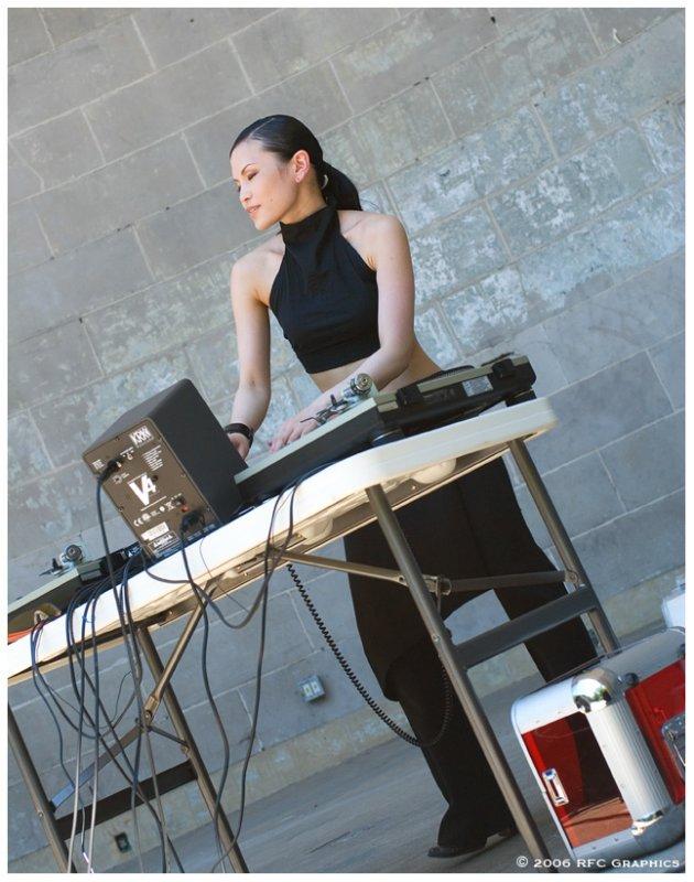 Asian Mushroom & DJ Ruby Red at the Bandshell 4