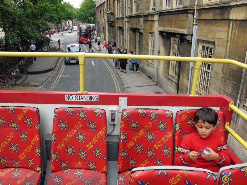 Taking the Oxford city bus tour