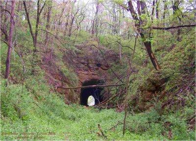 Buncombe, Wisconsin Tunnel, Abandoned 1938.jpg