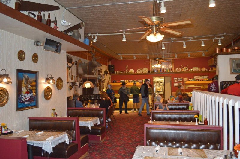 Overview of the interior of Natalias