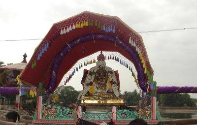 Kanamurathaalathil Kandisaitha NamNathaMunigal During purapadu - 8th Day Evening.JPG