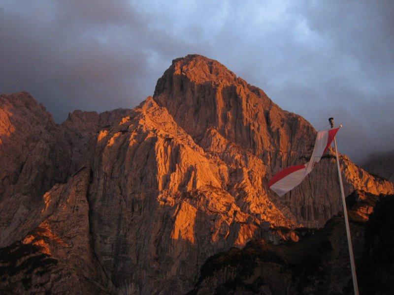 Wilder Kaiser Stripsenjoch hut sunset