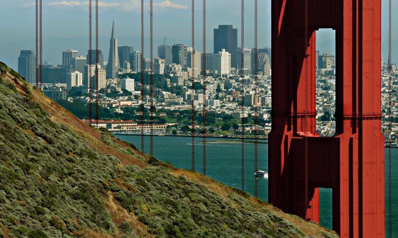 Tall buldings beyond GGB tower_3979Ps`0505131501.jpg