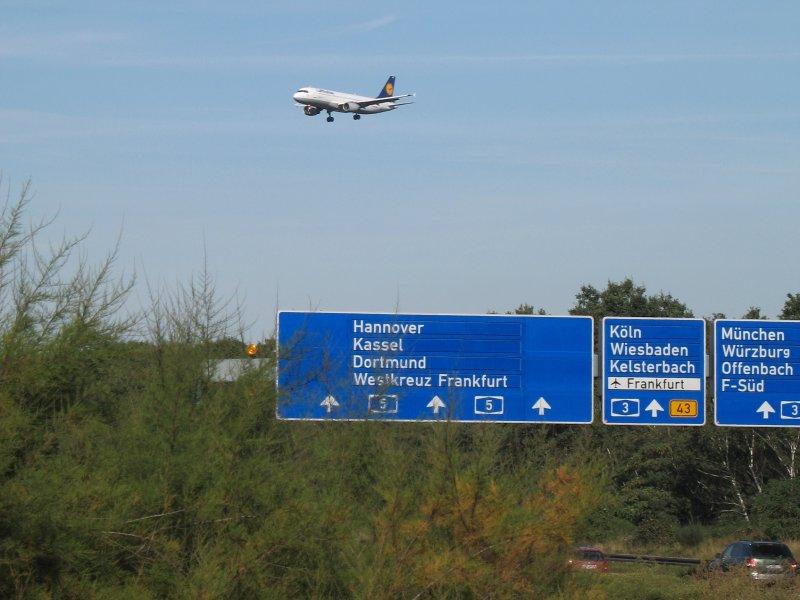 Frankfurt International Airport Okt.2006-06.JPG