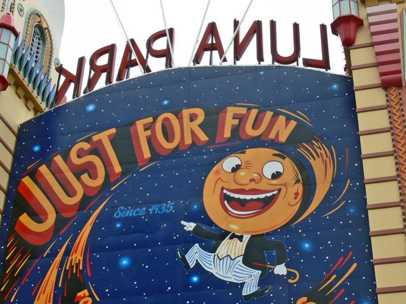 Luna Park Fun Sign