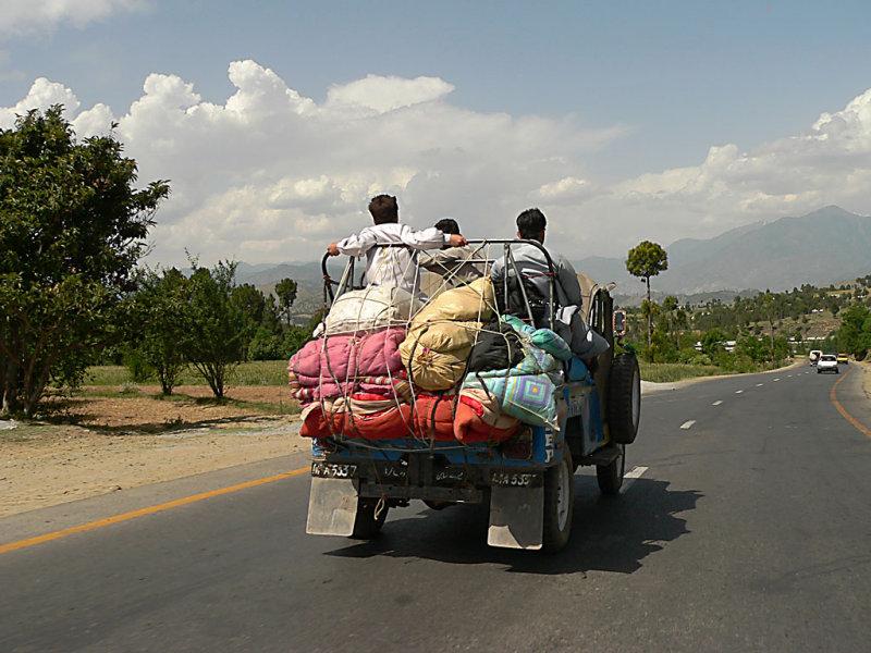An overloaded Jeep - P1160454.JPG