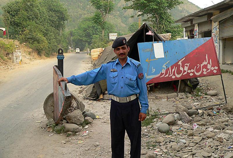 Crossing into Azad Jammu and Kashmir, Police Checkpost at Bararkot - P11605573.jpg