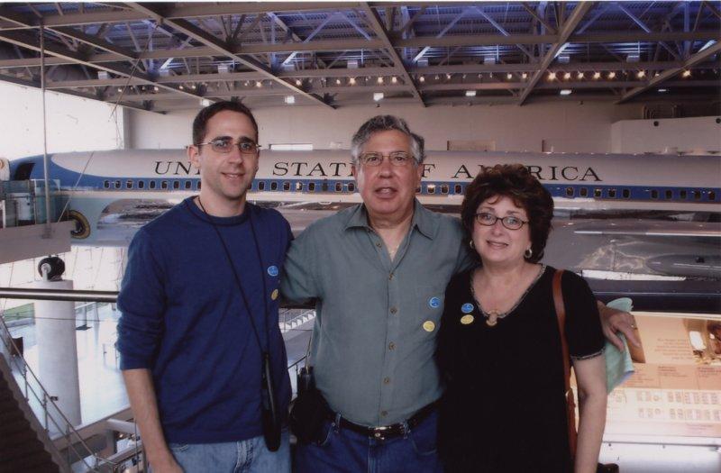 PAUL, LEONARD & IDA W/PRES. REAGANS AIR FORCE 1