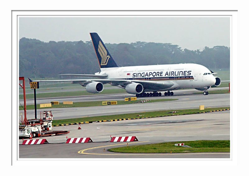 SIN SQ A-380 @ Changi 1
