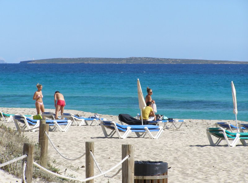 Tanga Beach - Llevant