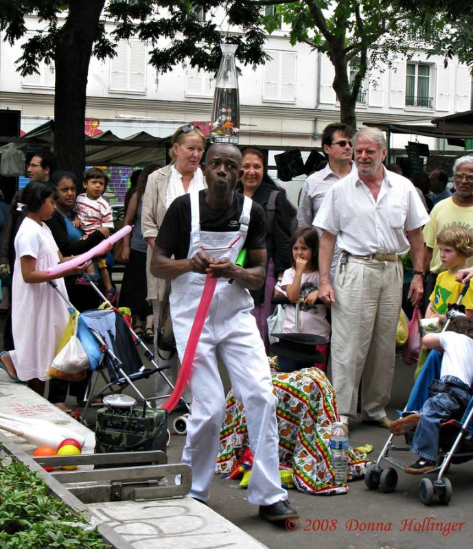 Entertainer at the Market
