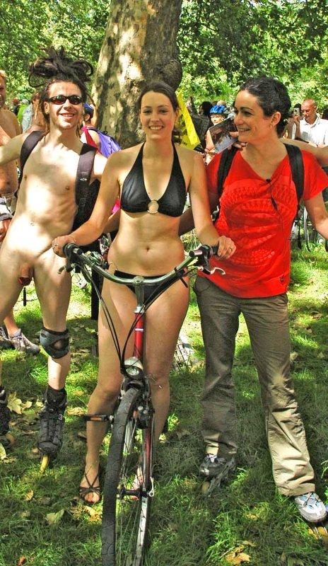 london naked bike ride 2008 photo - brianmicky photos at