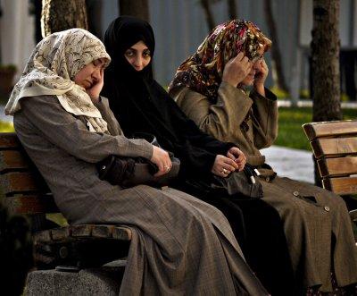 Visitors, Suleymaniye Mosque, Istanbul, Turkey, 2009