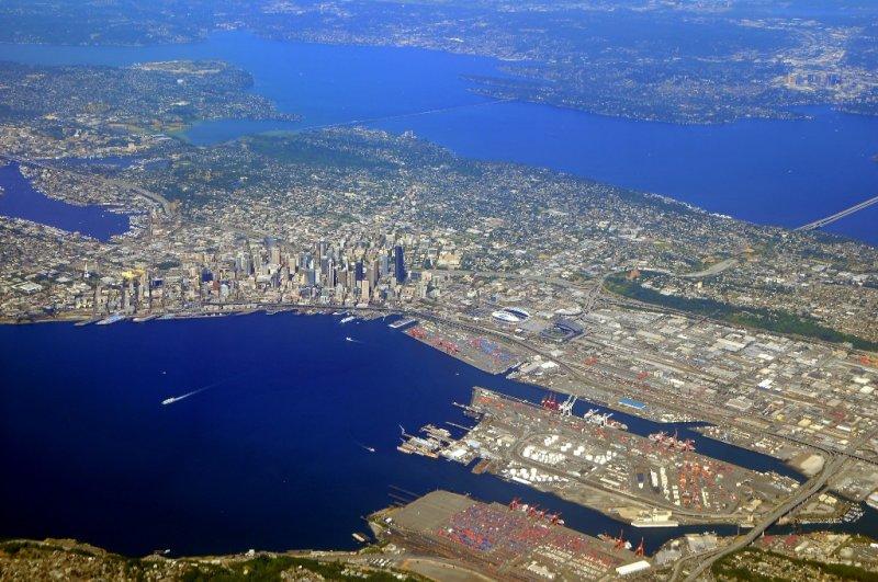 Seattle and cities along Lake Washington