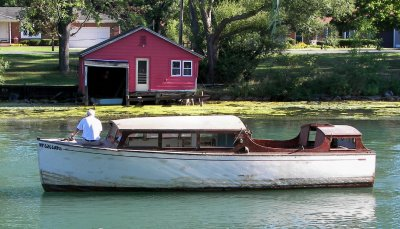 WELCOME to the NIAGARA FRONTIER ANTIQUE & CLASSIC BOATS, INC. pictorial.