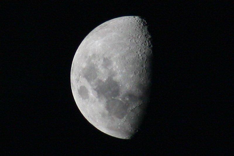 Moon in a blue Sky?